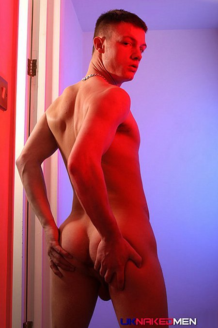 Kai Cruz UK Naked Men