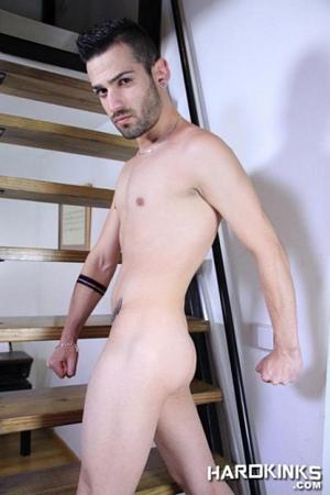 Ricky Ruiz Hard Kinks