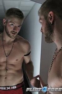 Sean Holmes Flirt4Free
