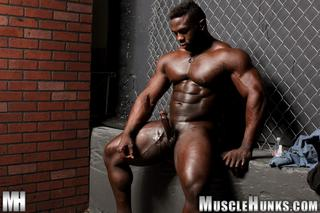 Aden Taylor Muscle Hunks