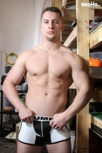 Joey Mentana Bromo