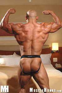 Oscar Navarro Muscle Hunks