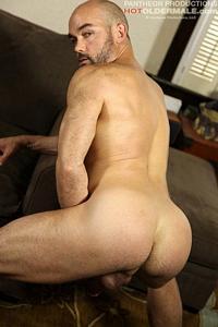 Skip Piston Hot Older Male